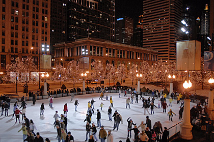 free-ice-skating-in-millennium-park 6